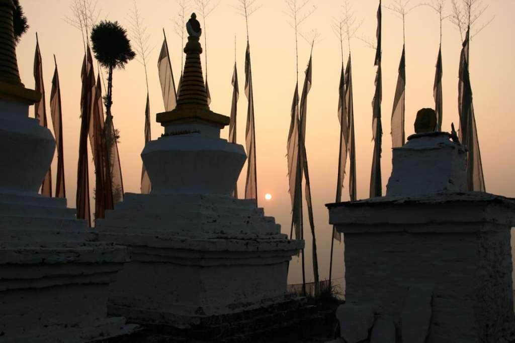 Stupas en el monasterio de Sangaocheling